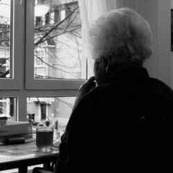 Jak odróżnić demencję starczą od Alzheimera?