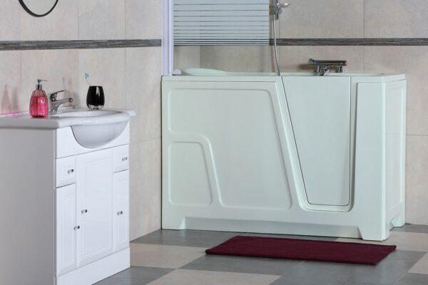 Wanna dla seniorów – ciekawy pomysł na łazienkę bez barier
