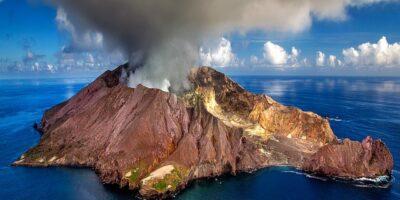 Z wulkanu lecą klamoty