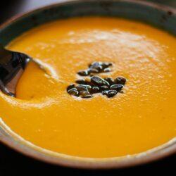 Kremowa zupa z pieczonej dyni (1)